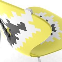 Big Bang, Des chaises en métal avec siège en plastique, pour une salle de conférence