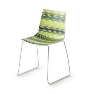 Colorfive S, Chaise design avec les jambes métalliques, la base luge en métal