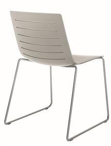 Slim 02, Chaise empilable avec idéale luge pour la barre