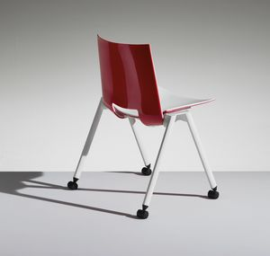 HL3 2, Chaise avec les jambes et les roues pour le travail et la communauté