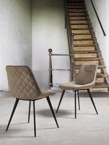 Art. 210 Norway, Chaise recouverte de faux cuir nubuck