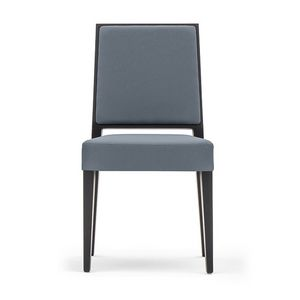 Timberly 01714, Chaise empilable, cadre en bois massif, assise et dossier rembourrés, revêtement en tissu, pour les cantines