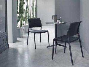 Ara, Chaise empilable en polypropyl�ne