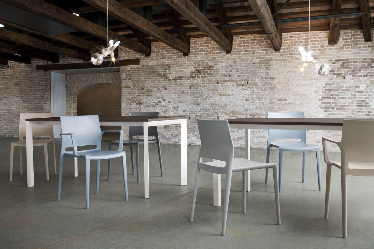 Bakhita, Polymère Chaise design, robuste et durable