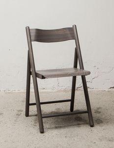 184, Chaise pliante légère, faite de bois de hêtre
