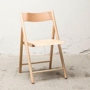 Chaise 184, Chaise pliante de sortie, en bois
