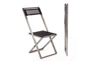 Logika 5310, Chaise pliante avec des lignes minimales pour une utilisation en extérieur