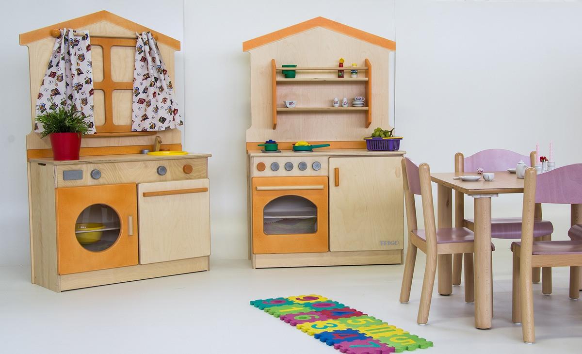 meubles en bois pour enfants jeux pour enfants cr s. Black Bedroom Furniture Sets. Home Design Ideas
