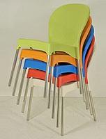 SE 029, Chaise en plastique avec pieds en aluminium, pour le jardin