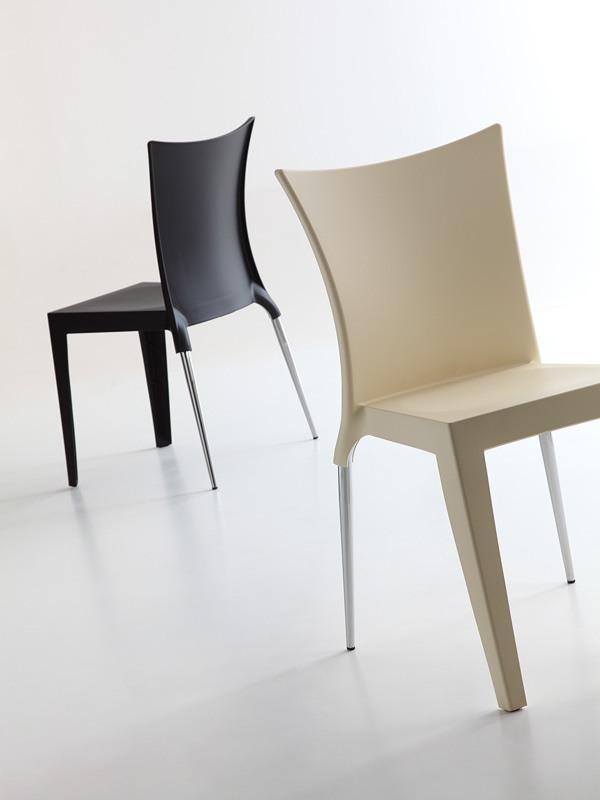 Jo, Chaise design élégant, siège et dossier en polypropylène, à la fois pour une utilisation intérieure et extérieure