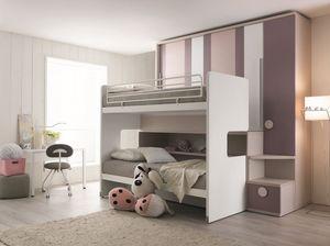 Comp. New 155, Économisant de l'espace chambre avec trois lits et une armoire