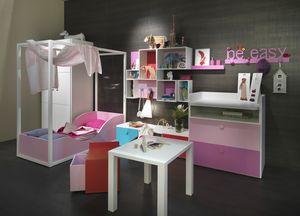 Kids K2012, Chambre de la fille avec lit à baldaquin