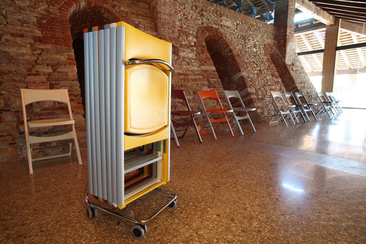 Compact cod. 60, Panier métallique pour le stockage des chaises