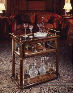 Oxford Art.507 bar chariot, Bar chariot en noyer, avec des étagères en bois et en cristal