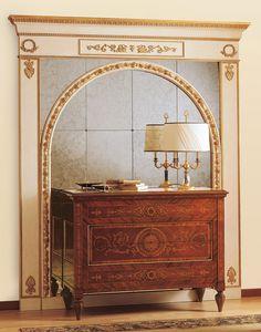 Art. 925, Commode de style antique, tiroirs avec des incrustations pr�cieuses