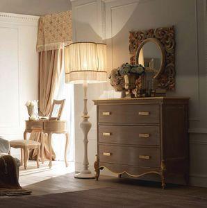 Fru-Fru commode, Commode de style classique, avec des d�corations artisanales