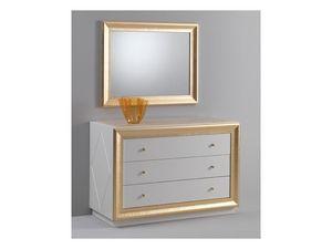 Jolie chest of drawers, Commode avec un design classique, finition laqué brillant, décorations de feuilles d'or
