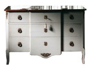 Marseille VS.1041.A, Noyer poitrine, 3 tiroirs et de bois, des ornements en laiton, style classique