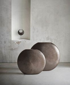 Gong, Vase oriental en laiton