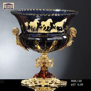800Lxxx, Tasses, bols à fruits et vases avec des chevaux décoratifs
