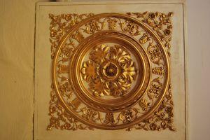 PANNEAU DÉCORATIF PLAFOND ART. AC 0032, Panneau décoratif doré, pour villas de luxe
