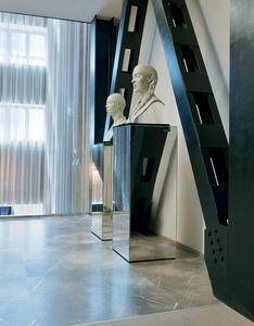 Qube 315, Colonne décorative miroir