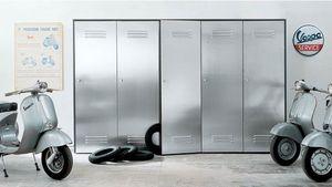CITYBOX comp.03, Armoire avec des portes en acier pour les garages et les gymnases