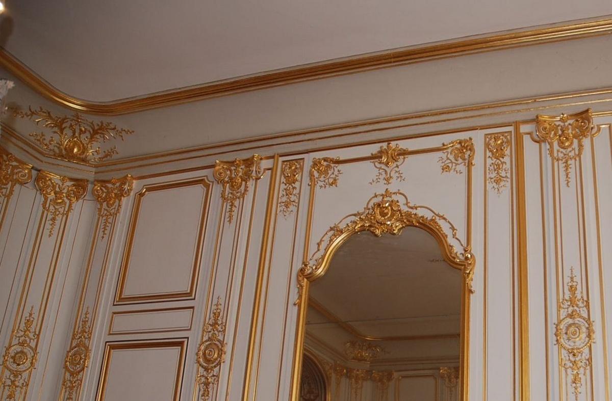 Boiserie Luigi XIV, Louis XIV lambris, avec sculptures en feuilles d'or
