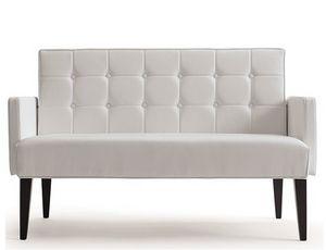 Rina-D, Canapé pour le marché du mobilier d'accueil