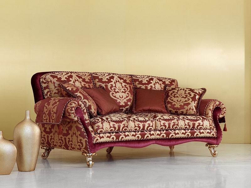 Camelia, Canapé dans le style de luxe classique, jambes sculptées à la main