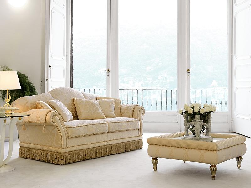 Glicine, Canapé dans un style classique de luxe, pour les salons raffinés
