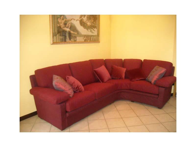 Maximum Sofa, Canapé en tissu rouge, pour un usage résidentiel