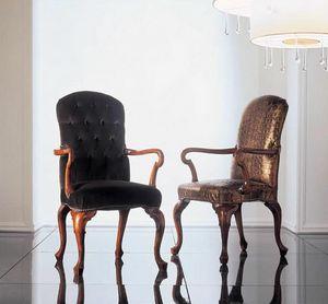 110P, Chaises en bois sculpté avec accoudoirs Réception