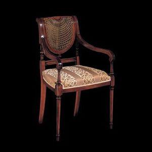 124P, Chaise en bois sculpté avec bras