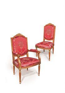 506/B, Chaise classique avec des finitions d'or sur les armes adaptées pour salle à manger