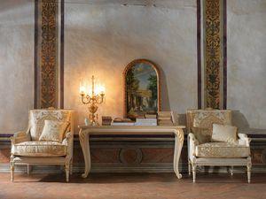 Martina fauteuil, Fauteuil sculpté, à décor de feuilles d'or