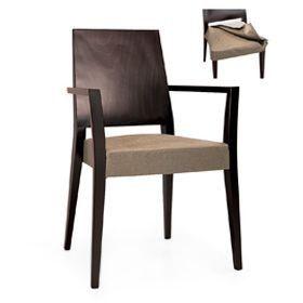 Timberly 01723, Fauteuil empilable avec accoudoirs, structure en bois massif, siège rembourré, couvrant avec du tissu, pour les cantines