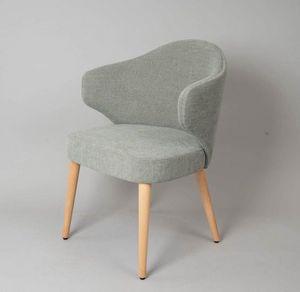 M41, Chaise au design contemporain