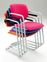 Laila 0580, Chaise empilable avec piètement luge
