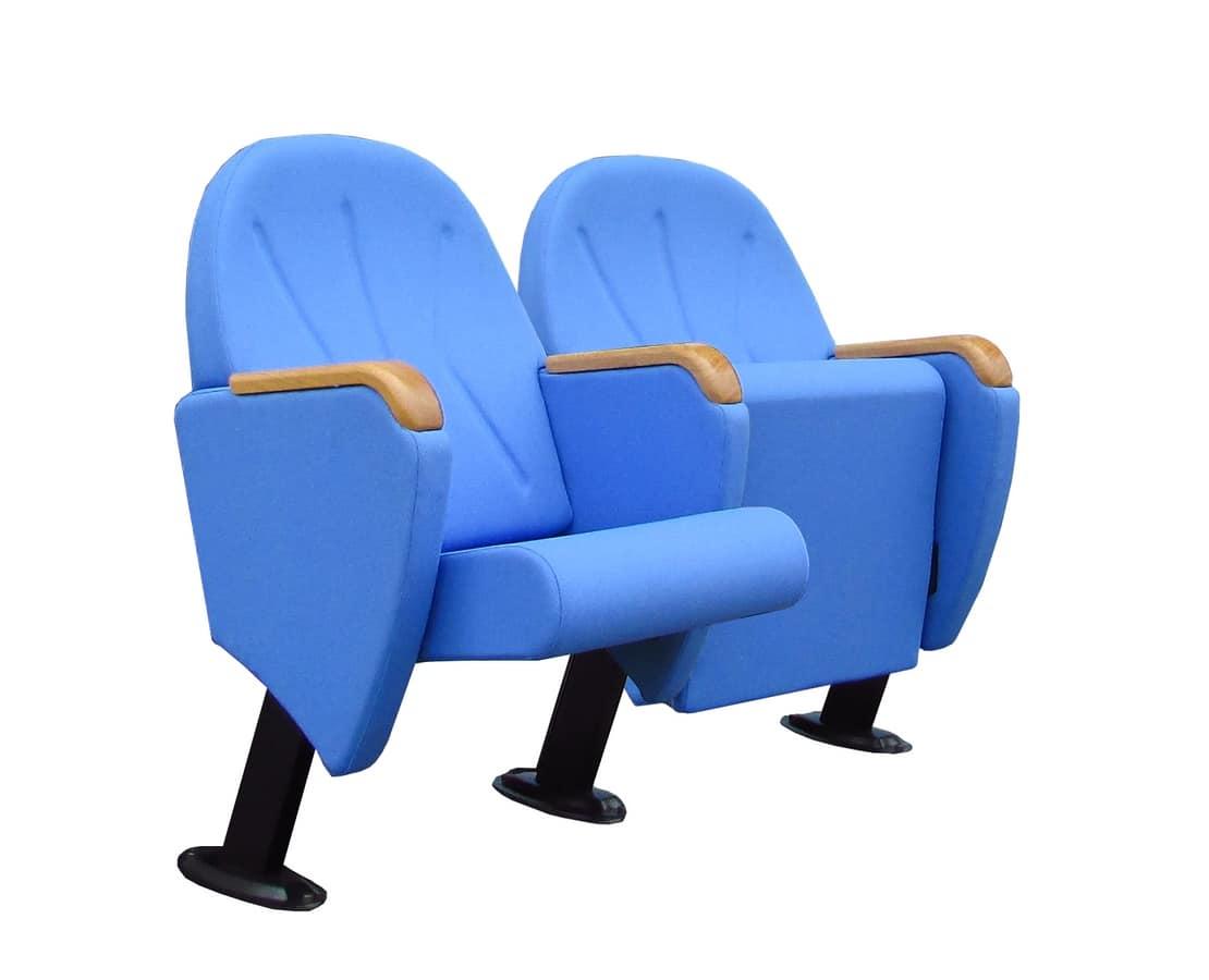Prestige, Confortable fauteuil tapissé de velours