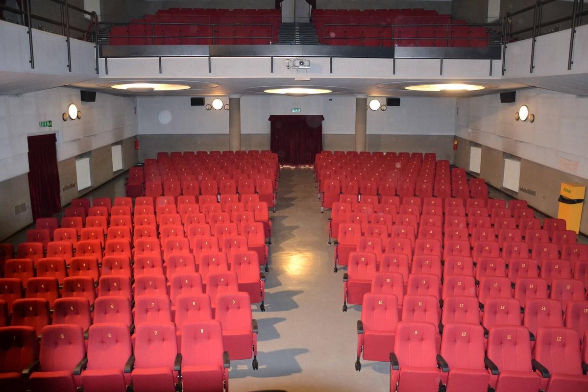 Simplex 1, Fauteuil modulaire rembourré pour cinémas et théâtres