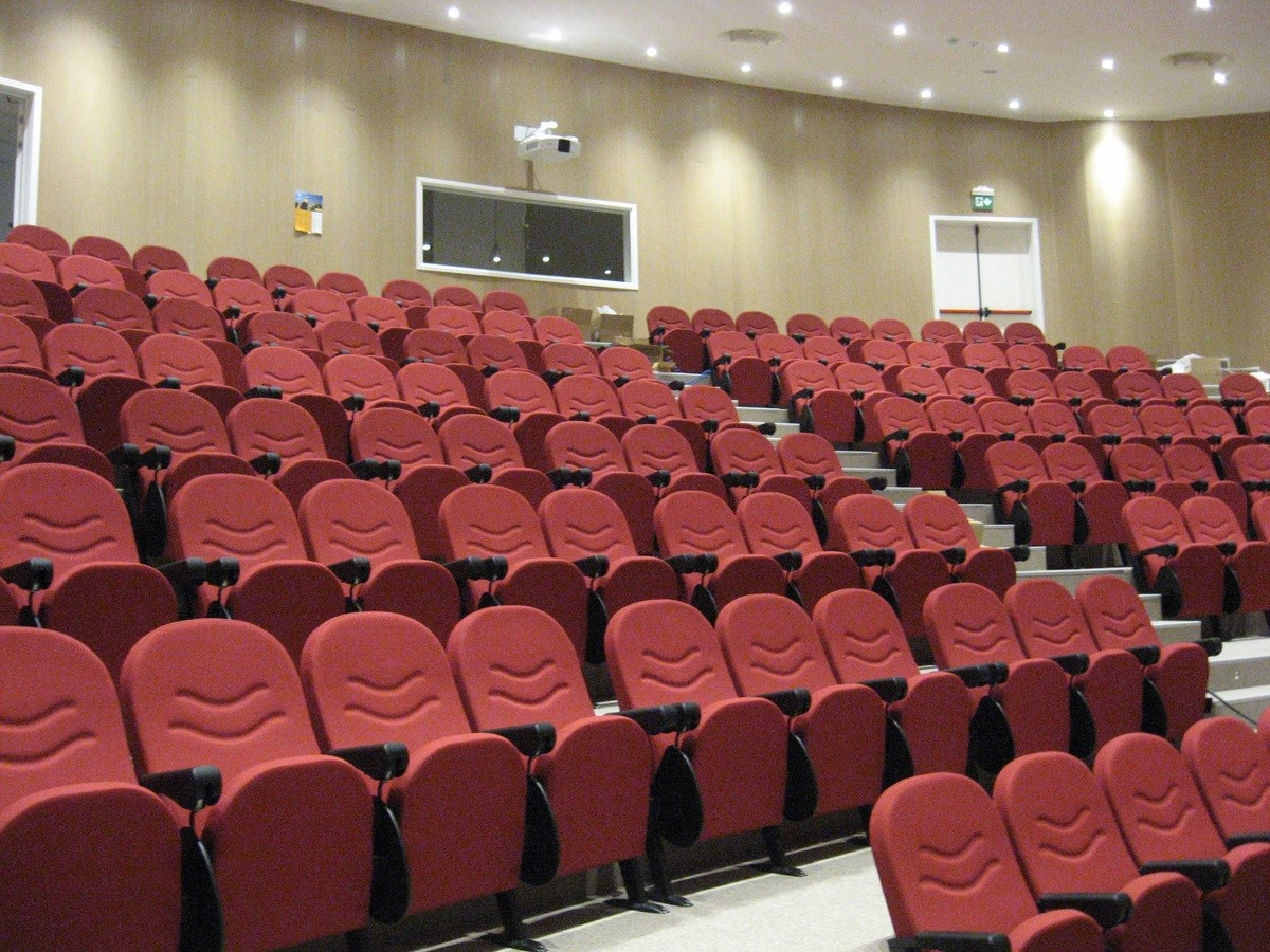 Simplex 2, Fauteuils modulaires coupe-feu pour le théâtre et des Congrès