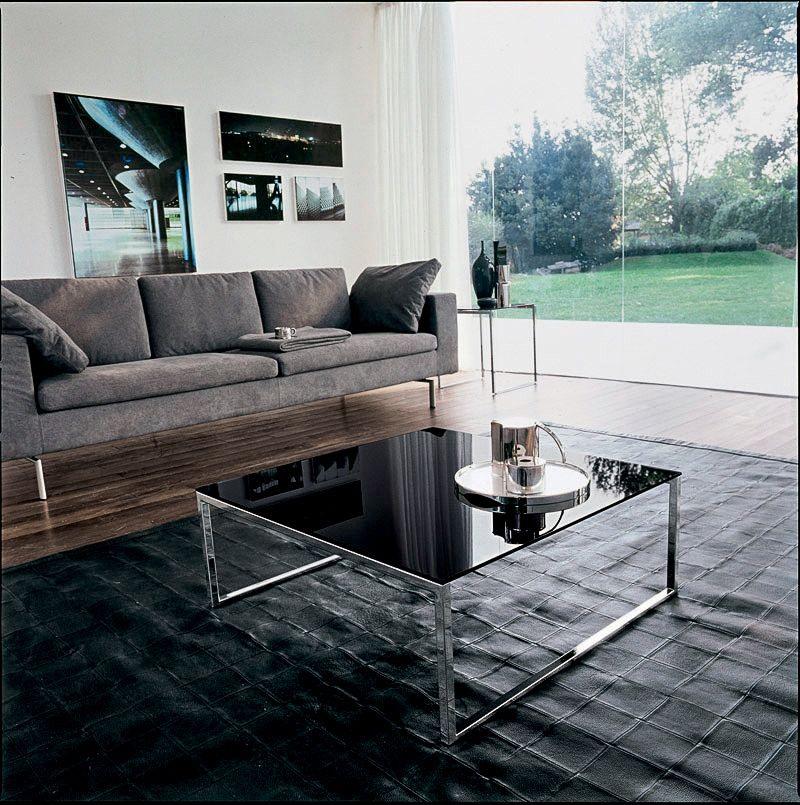 CENTRAL, Table avec structure linéaire, en verre et en métal, par la suite