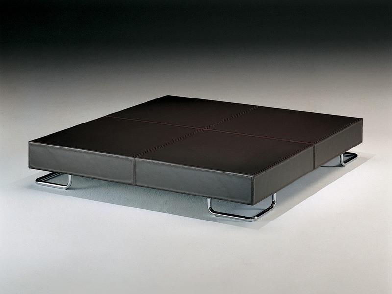 Hill, Table basse, le style linéaire, pour la zone de salon moderne