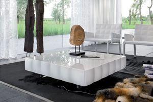 VENICE coffee table, Table basse en feuilleté revêtu de PVC, pour une salle d'attente