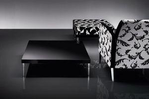 ART. 216 HOLLY, Table basse avec pieds en métal, laqué plateau en MDF