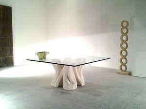 Dadà, Table basse en pierre sculptée, avec plateau en verre, pour salon