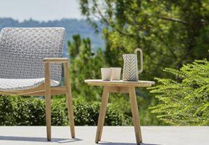 Lapis table, Table ronde en teck pour une utilisation en extérieur