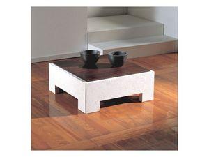 Parapan, Table basse carrée avec plateau en bois, socle en pierre