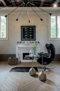 ADACHI, Table basse avec un design alternatif, en verre et en marbre